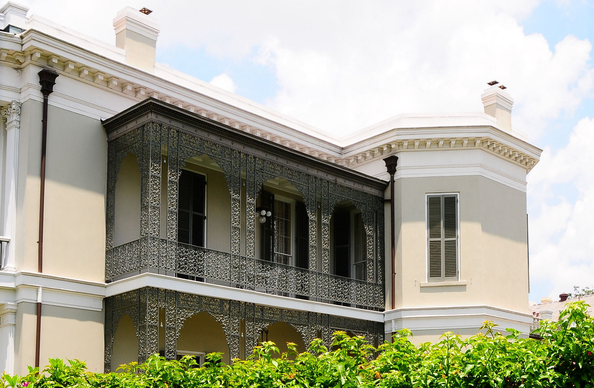 100 italian villa style homes curb appeal tips for for Italian villa architecture