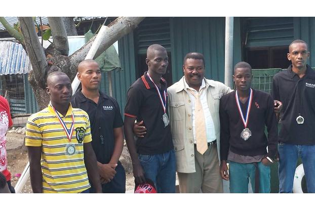Des Champions en 100 metres medailles.