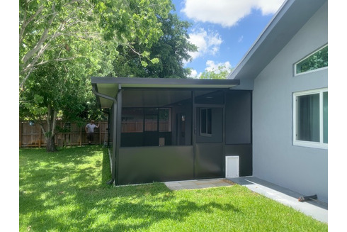 Insulated Aluminum Roof With Screen Enclosure