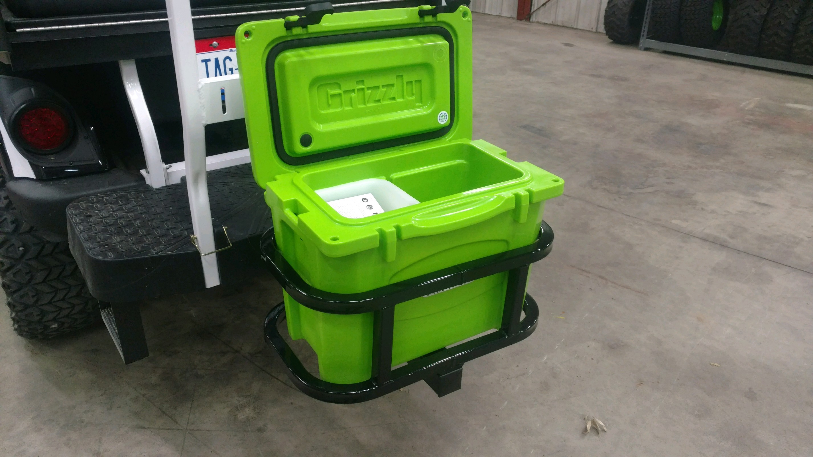 Grizzly 15 Hitch Cooler Carrier