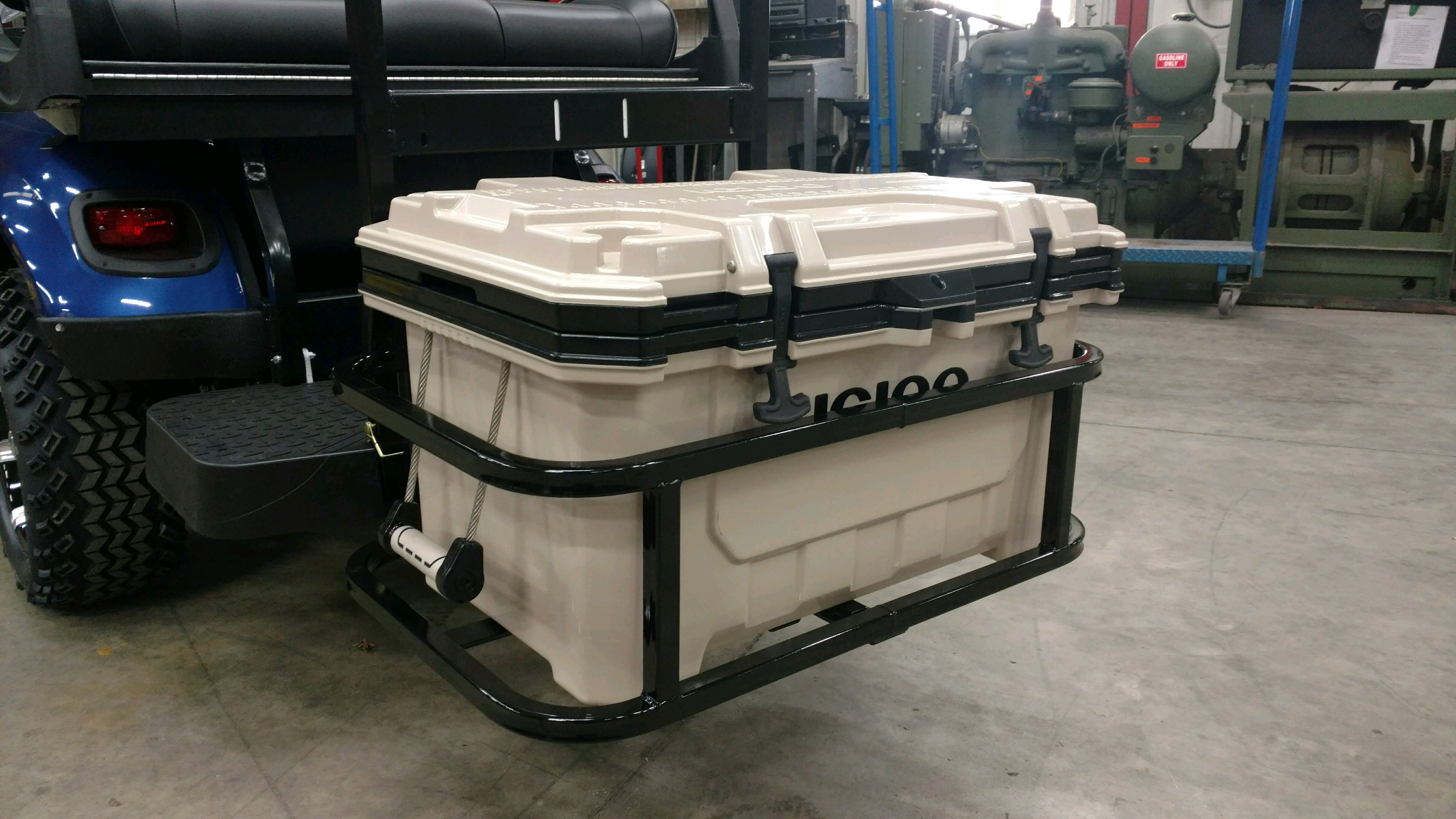 lgloo IMX 70  Hitch Cooler Carrier