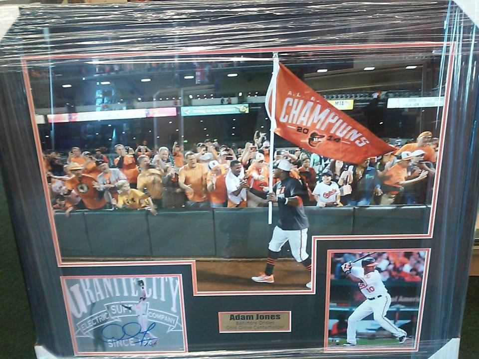 Adam Jones 2014 AL East Pennant Celebration 20x30 w/signed 8x10