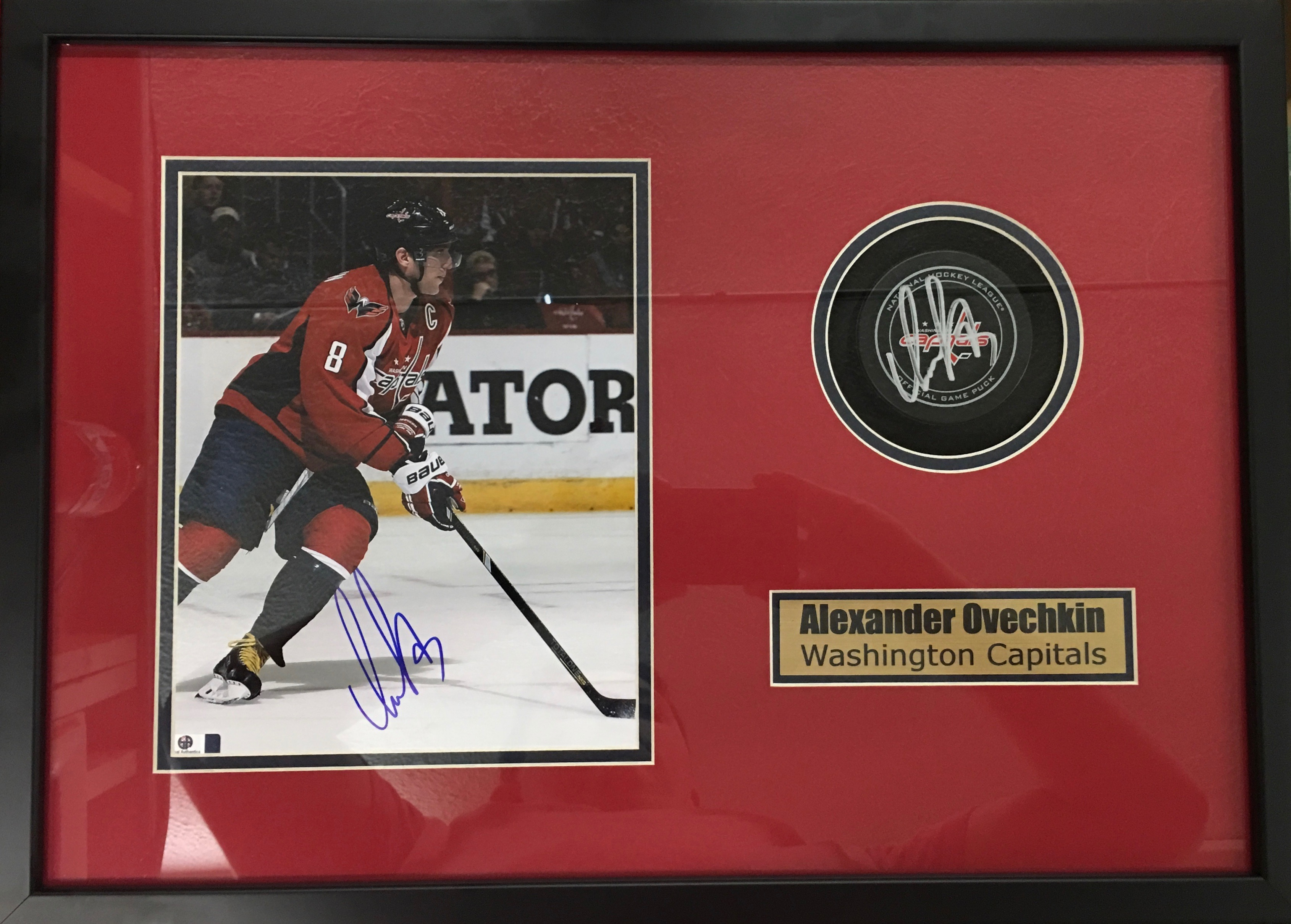 Alexander Ovechkin signed puck and photo shadowbox