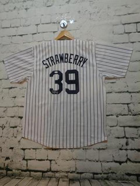 Darryl Strawberry signed New York Yankees jersey