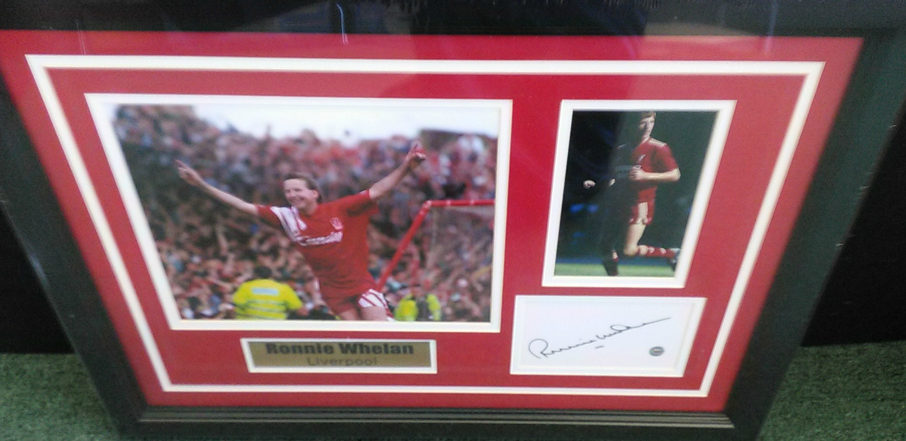 Ronnie Whelan collage with signed index cut - Liverpool