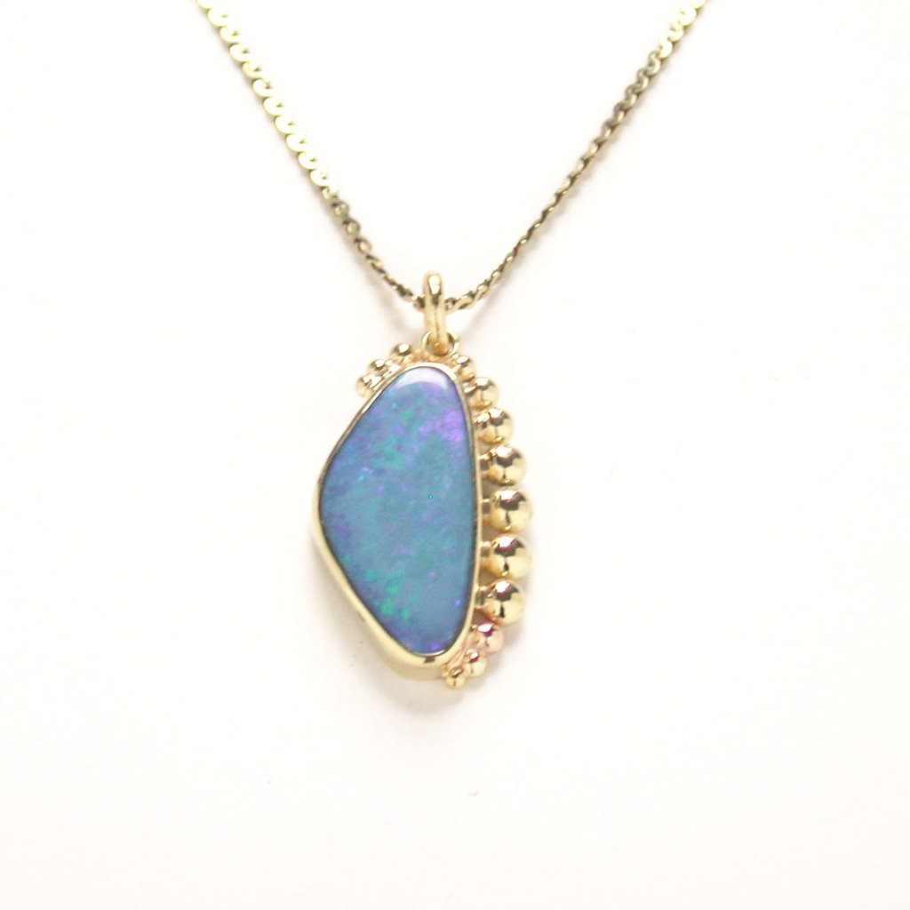 Susan Freda Collection | Opal Pebble Pendant in 18kt Yellow Gold