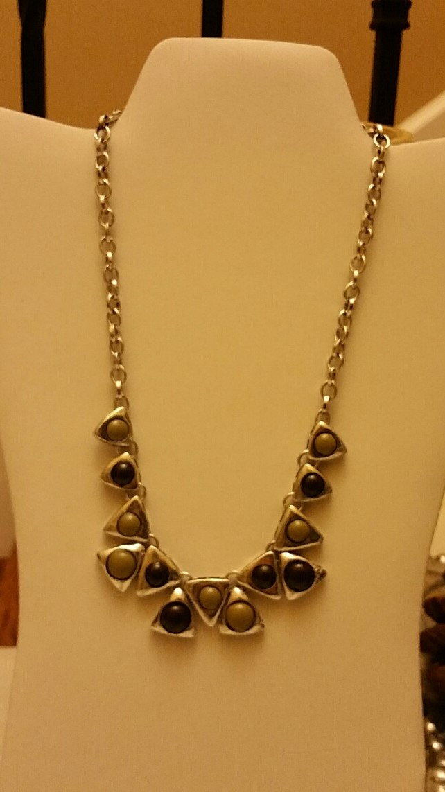 Triangle Necklace 1N41