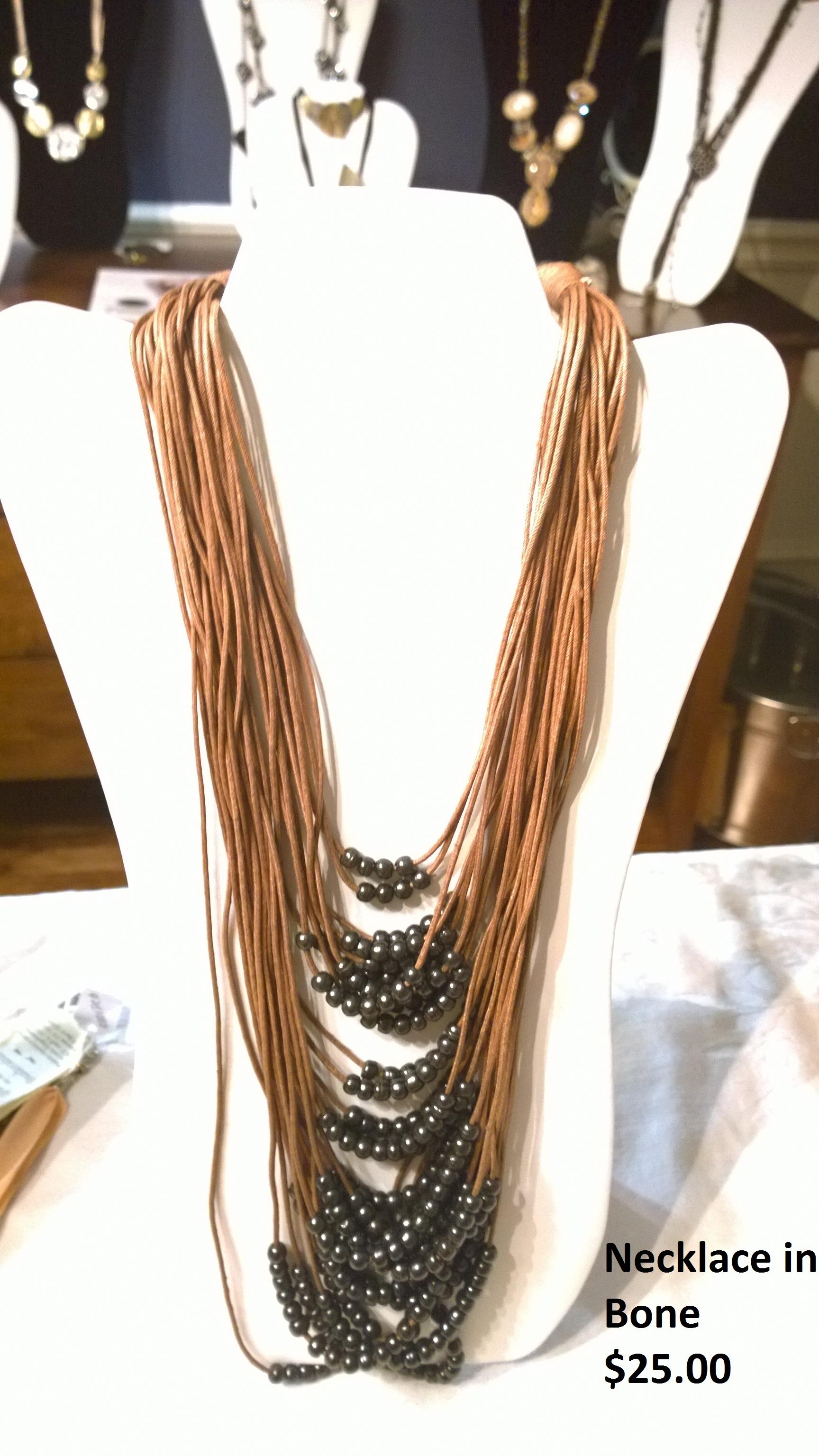 Necklace in Bone 0402NB