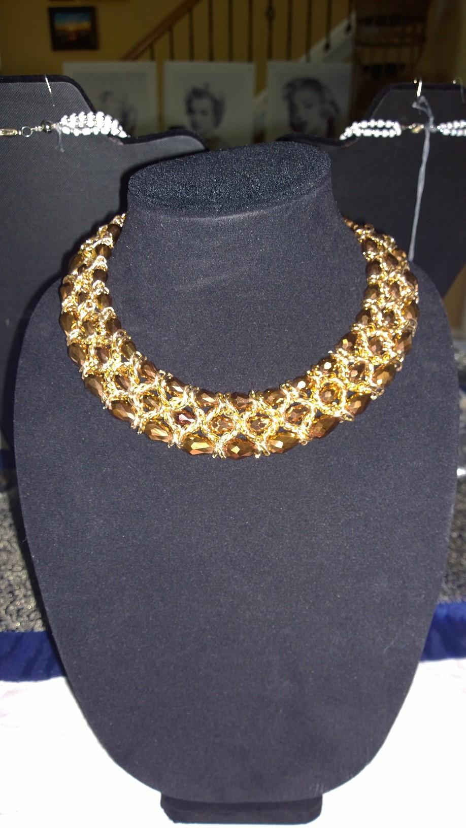 Al Brown Crystals Necklace 0901PSN