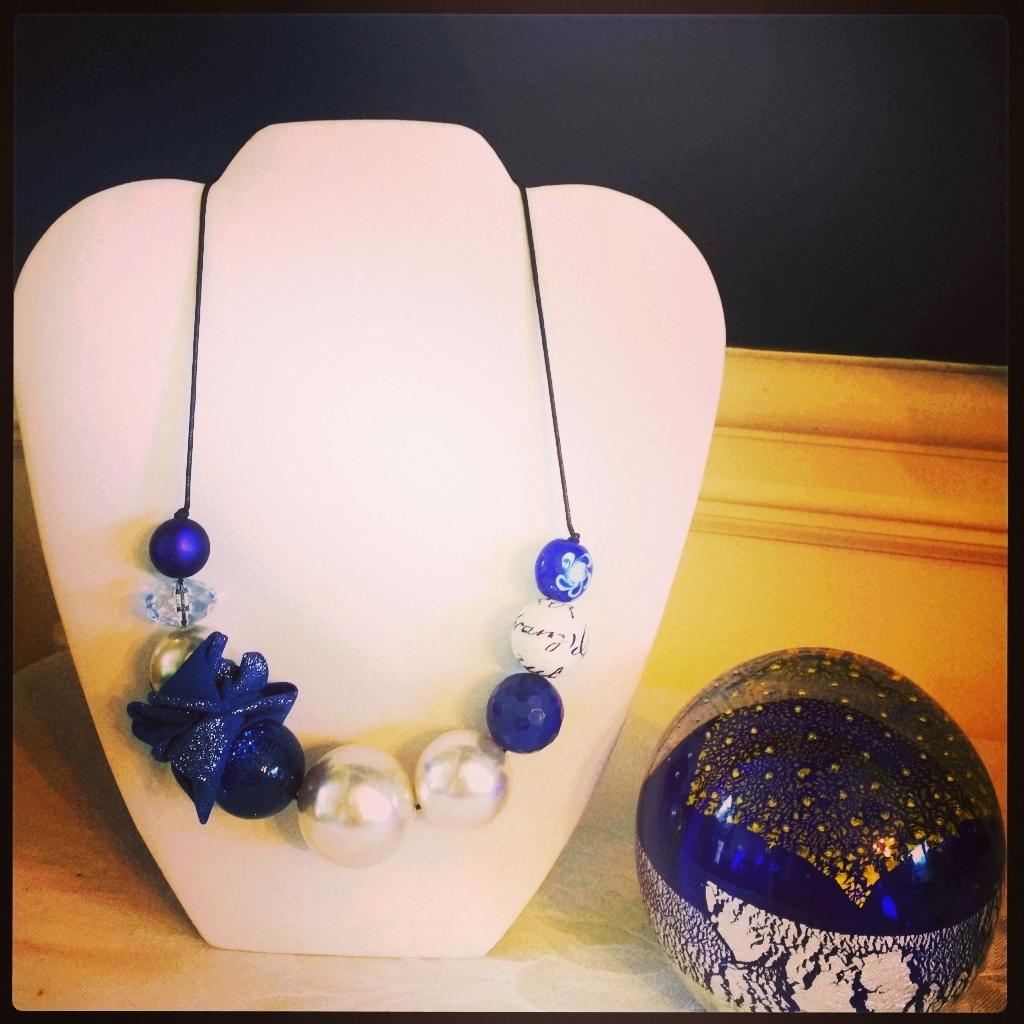 Le Bellerine Blue Neckalce  4N10