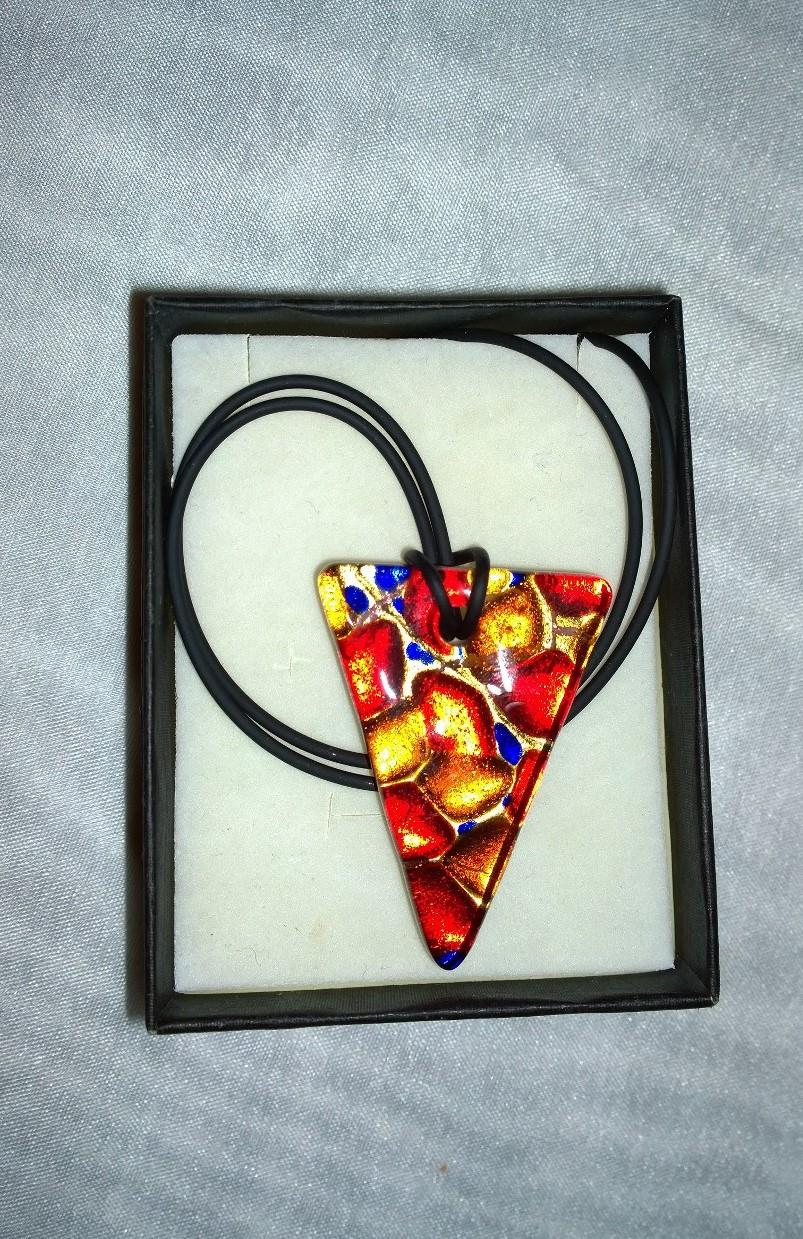 Triangle Red Murano 2N14