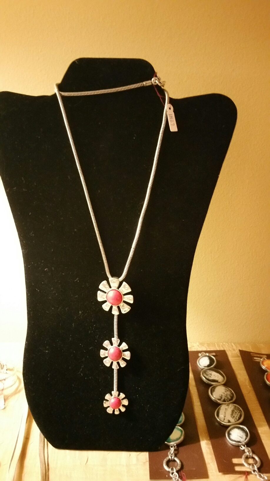 Red Flowers Long Necklace 1N27