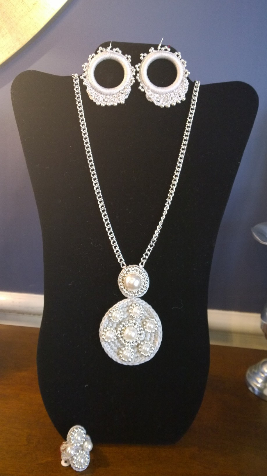 Pearls and Silver Set 3N14