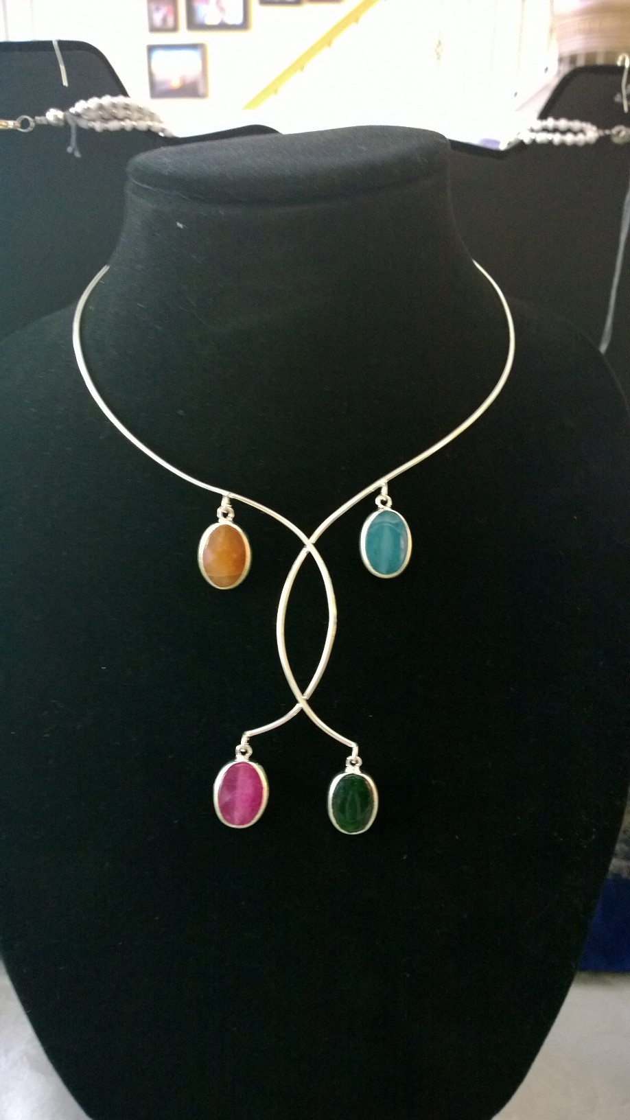 Wired Four Seasons Necklace 1N17