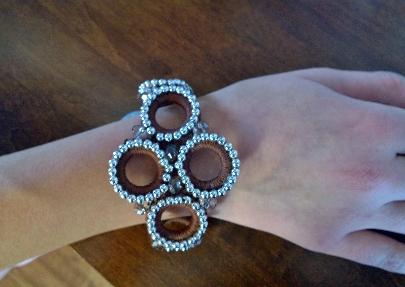 Silver Loops Bracelete 3B06
