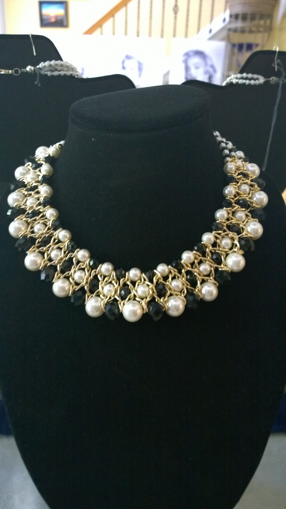 White Pearls and Black Crystals Necklace 0904PSN