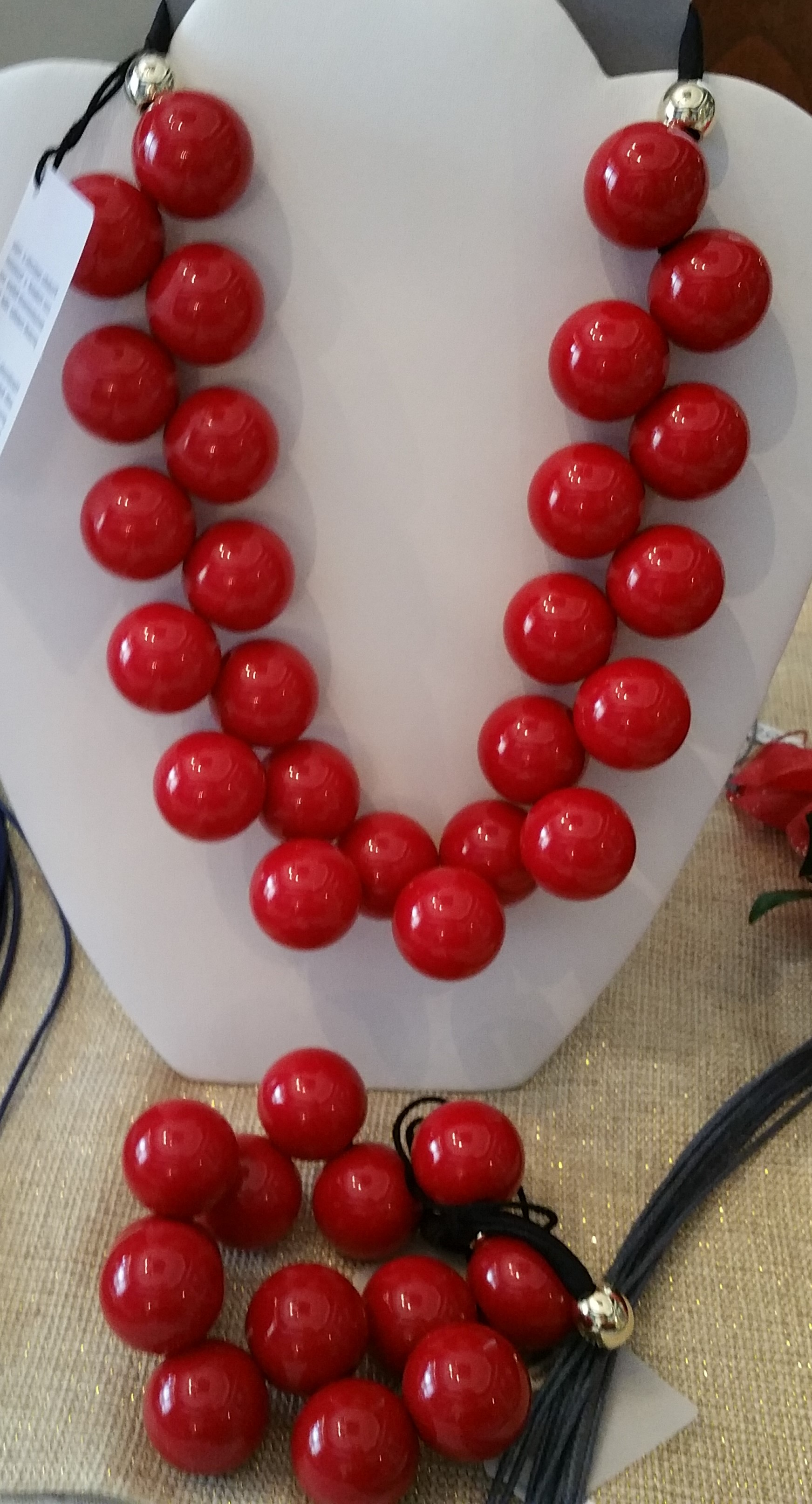 Red Necklace and Bracelet 7N5 and 8B3