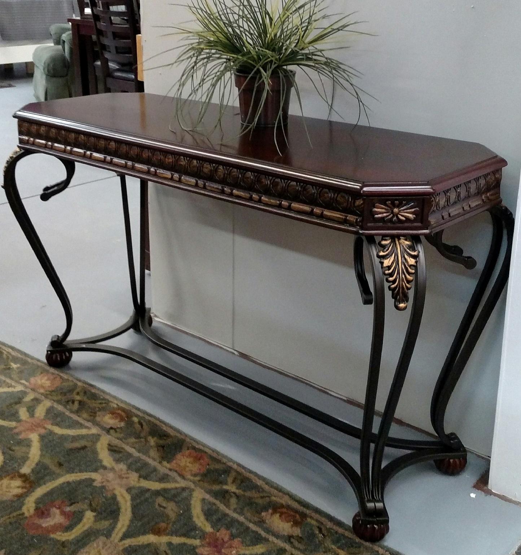 Clairmont Table