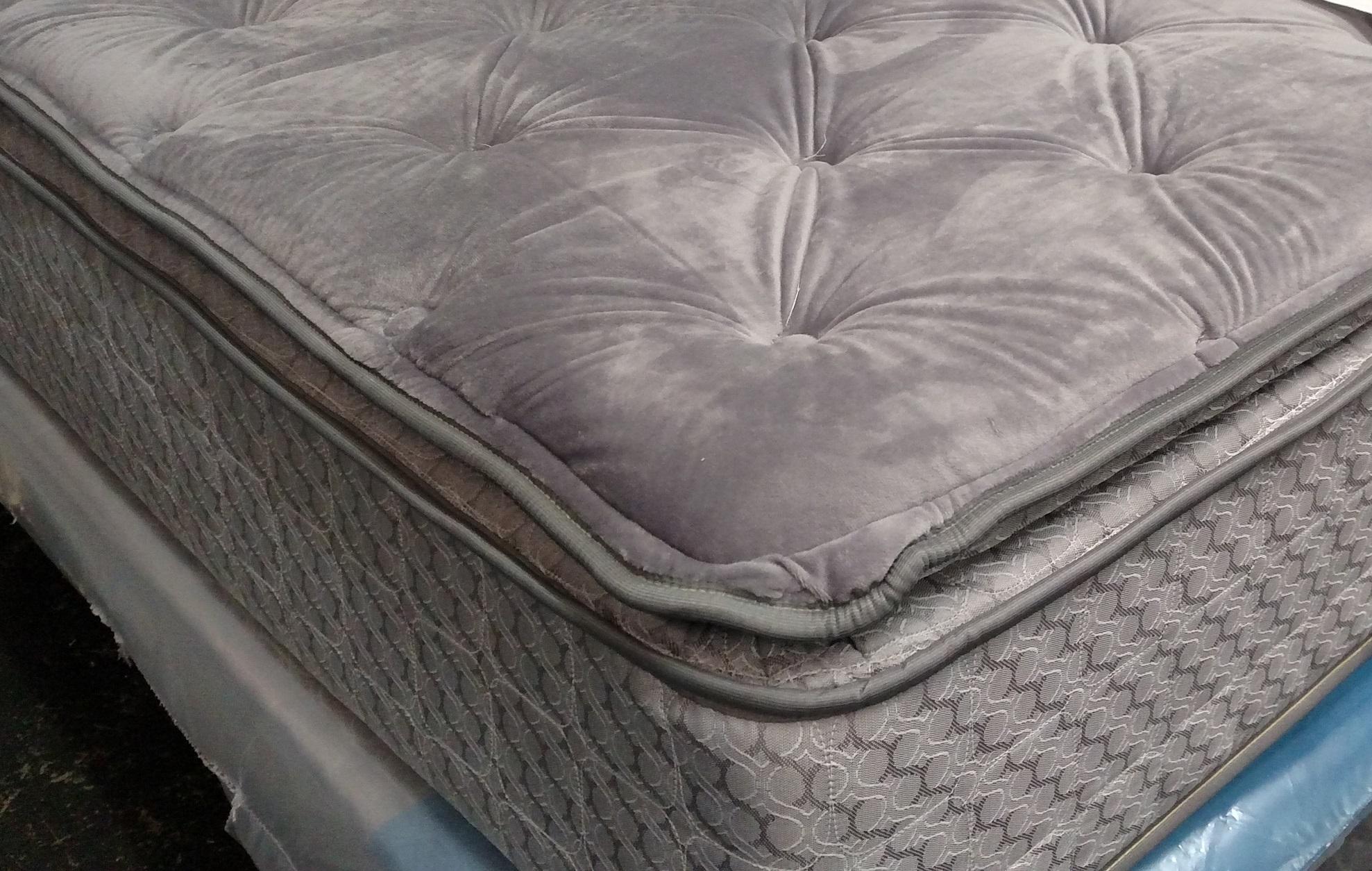 "9"" Plush Pillowtop Mattress"