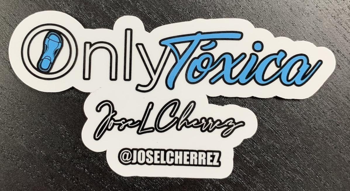 Sticker Only Tóxica