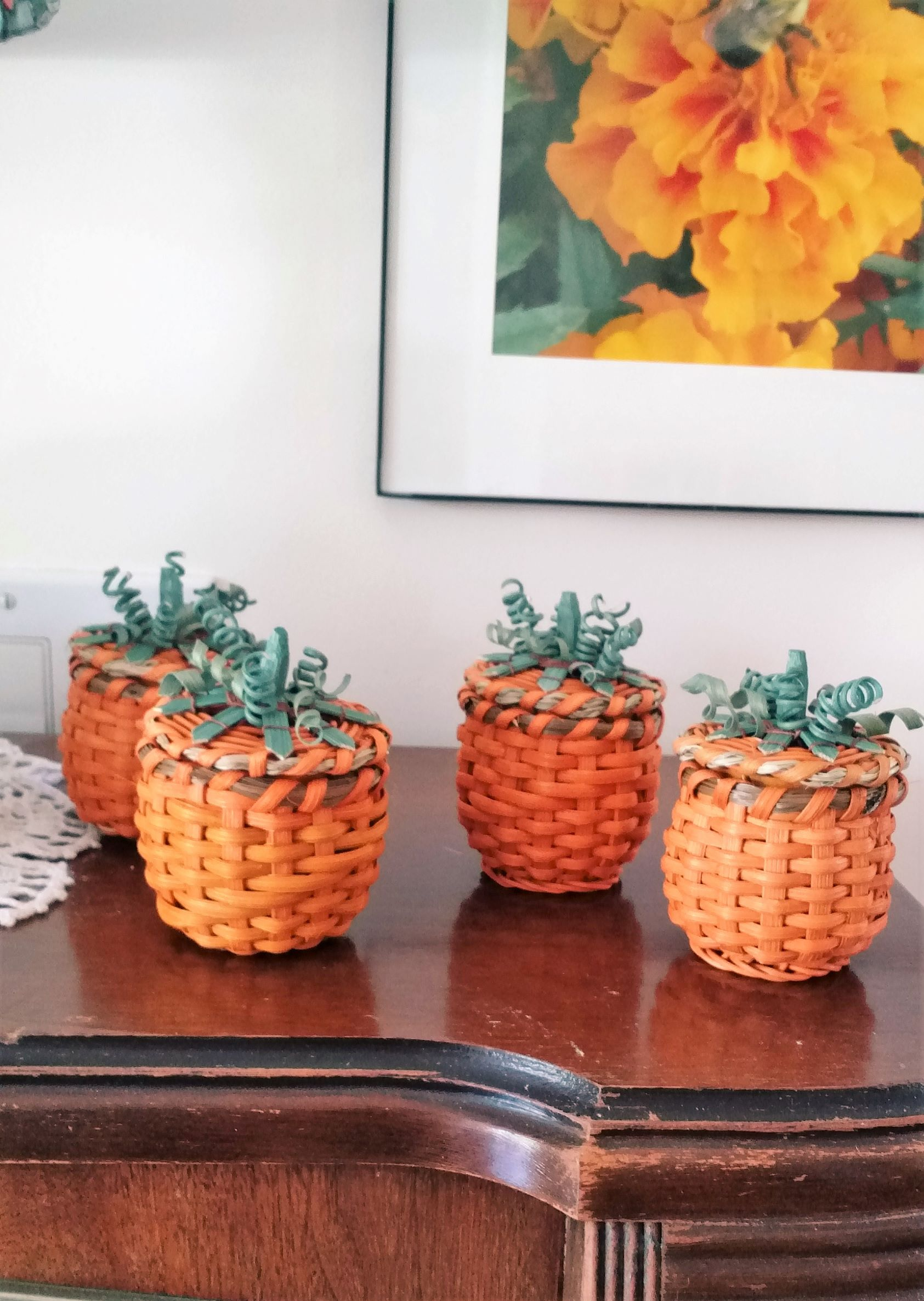 MINI PUMPKIN BASKET