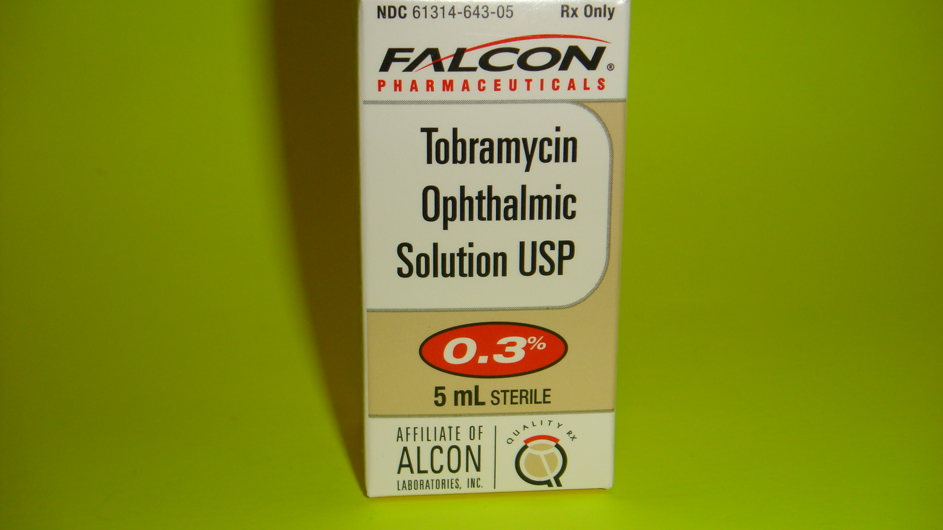 Eye antibiotic solution