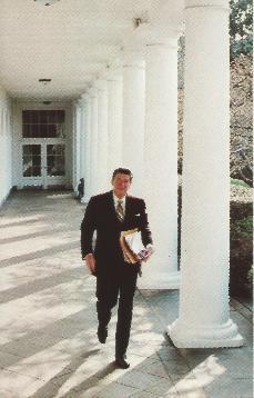 PCRWR-07 Reagan Walking to Offic8