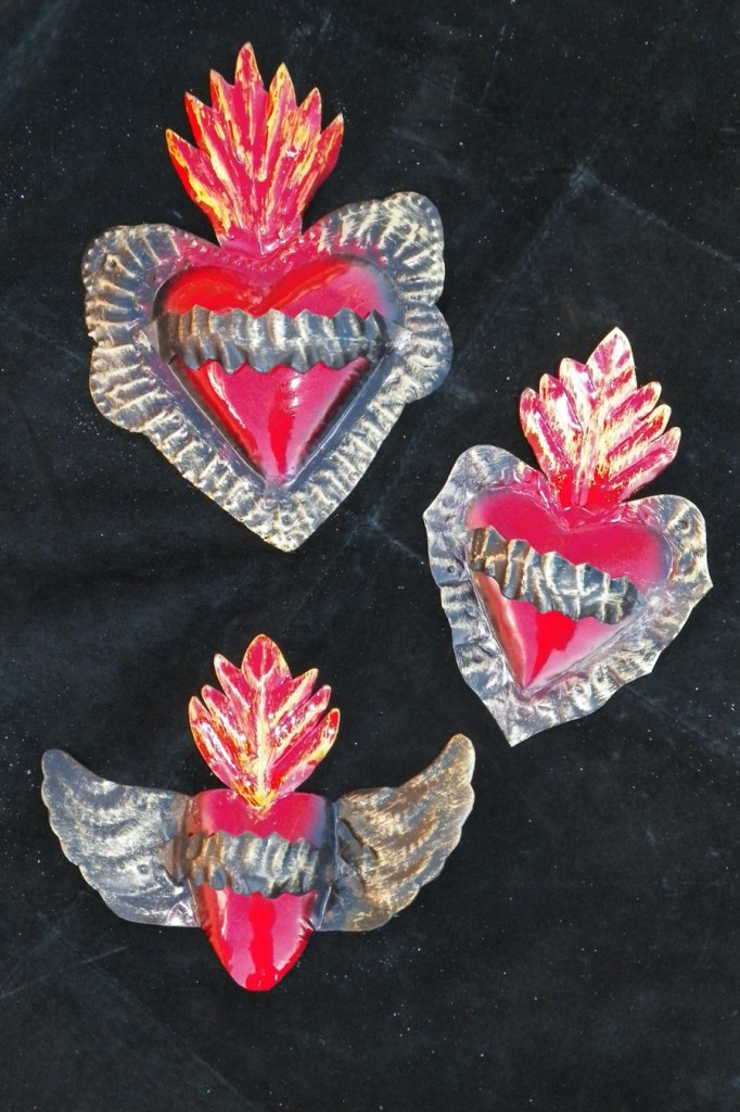 Small Sacred heart metal piece