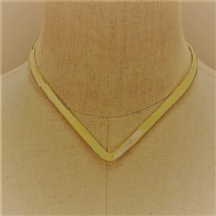 Gold Metal V-neck open choker necklace