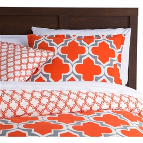 This King size Orange Gray Fresh Start 3 piece Comforter Set is a must have item. This contemporary collection will instantly update your space. Set includes a comforter and 2 king shams.