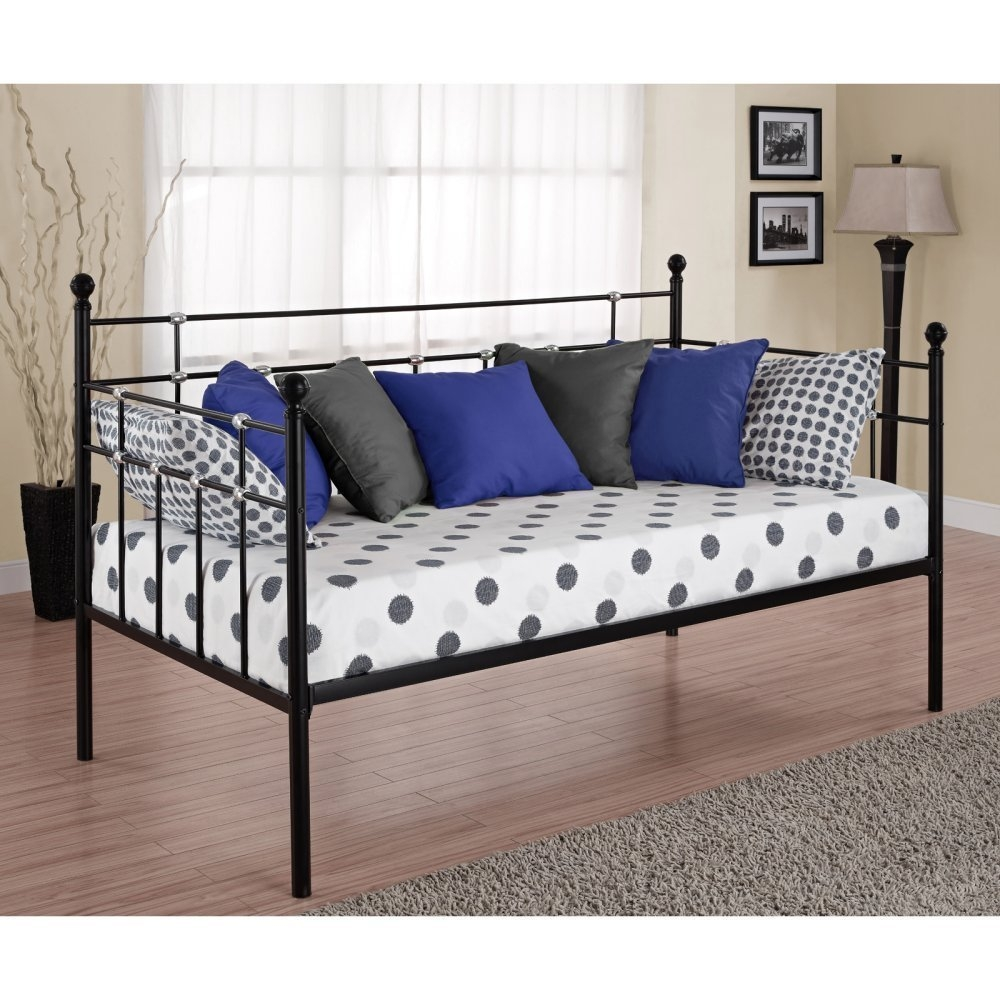 Twin size Metal Daybed in Black Finish, JDBT129 :     Beautifully crafted with a sturdy frame, this Twin size Metal Daybed in Black Finish with chrome detailing features curved stylish lines with simple styling. This lightweight unit is great for small spaces.
