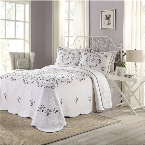 This Queen size Cotton Bedspread with Scalloped Edges and Floral Print Embroidery in White is a generously sized bedspreads with 100-percent soft cotton with floral print and embroidery, quilted 200 grams cotton batting with all over vermicelli quilting. Shams are sold separately.