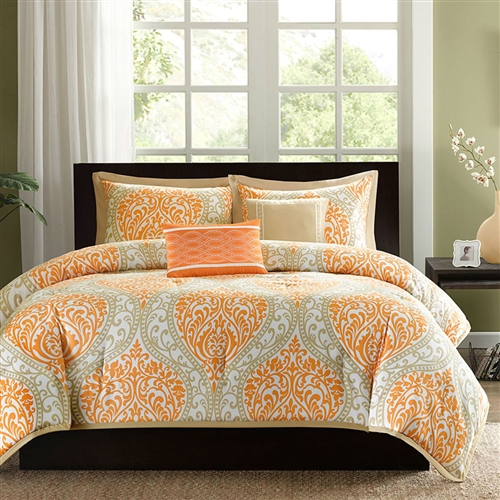 This King size 5-Piece Comforter Set in Orange Damask Print is the perfect way to make a fashion statement in your bedroom. The large black and gray damask print creates a dramatic look with this comforter.