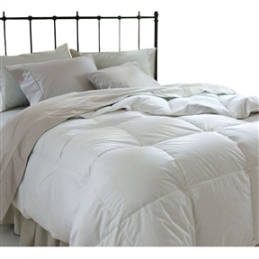 This King size Down Alternative Comforter in White Microfiber allows you to enjoy all the softness and insulating warmth you would expect from goose down without any of the allergens that affect sensitive sleepers. Also available: Down Alternative Pillow Set, Down Alternative Mattress Topper & Down Alternative Blanket (Sold separately) Down Alternative bedding provides allergy relief for those with allergies to down; Care instructions: machine washable, follow instructions on packaging for best results.