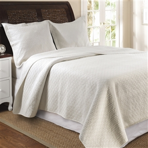 Update your bedroom with this modern yet sophisticated Twin size Ivory Cotton Quilt Set in Modern Diamond Pattern. It enhances the durability and the softness in a light, airy feel. Twin set includes 1 quilt and 1 standard sham; Full / Queen and King set includes 1 quilt and 2 standard shams; Reverse Side Material: Cotton. Country of Manufacture: China.