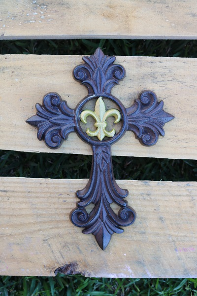 Metal Cross Wall Hanging Decor With FLEUR DE LIS in Gold