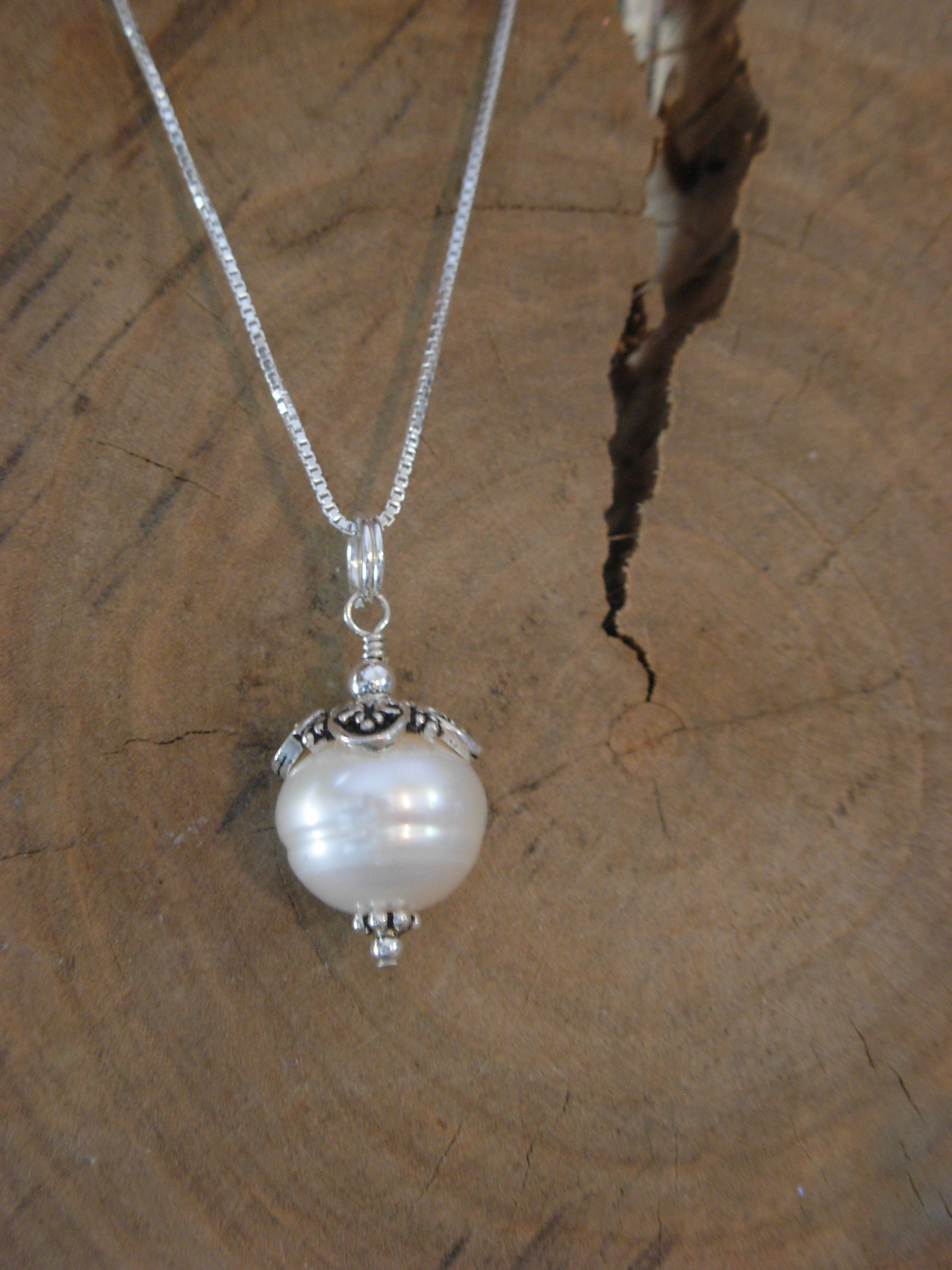 LARGE PEARL DROP NECKLACE