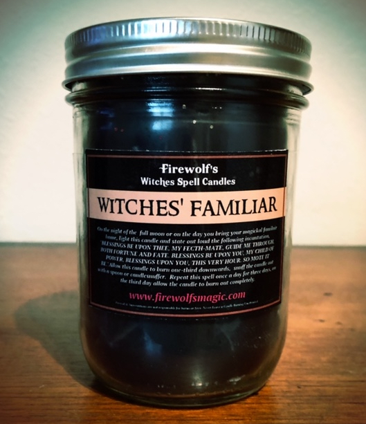 WITCHES' FAMILIAR CANDLE