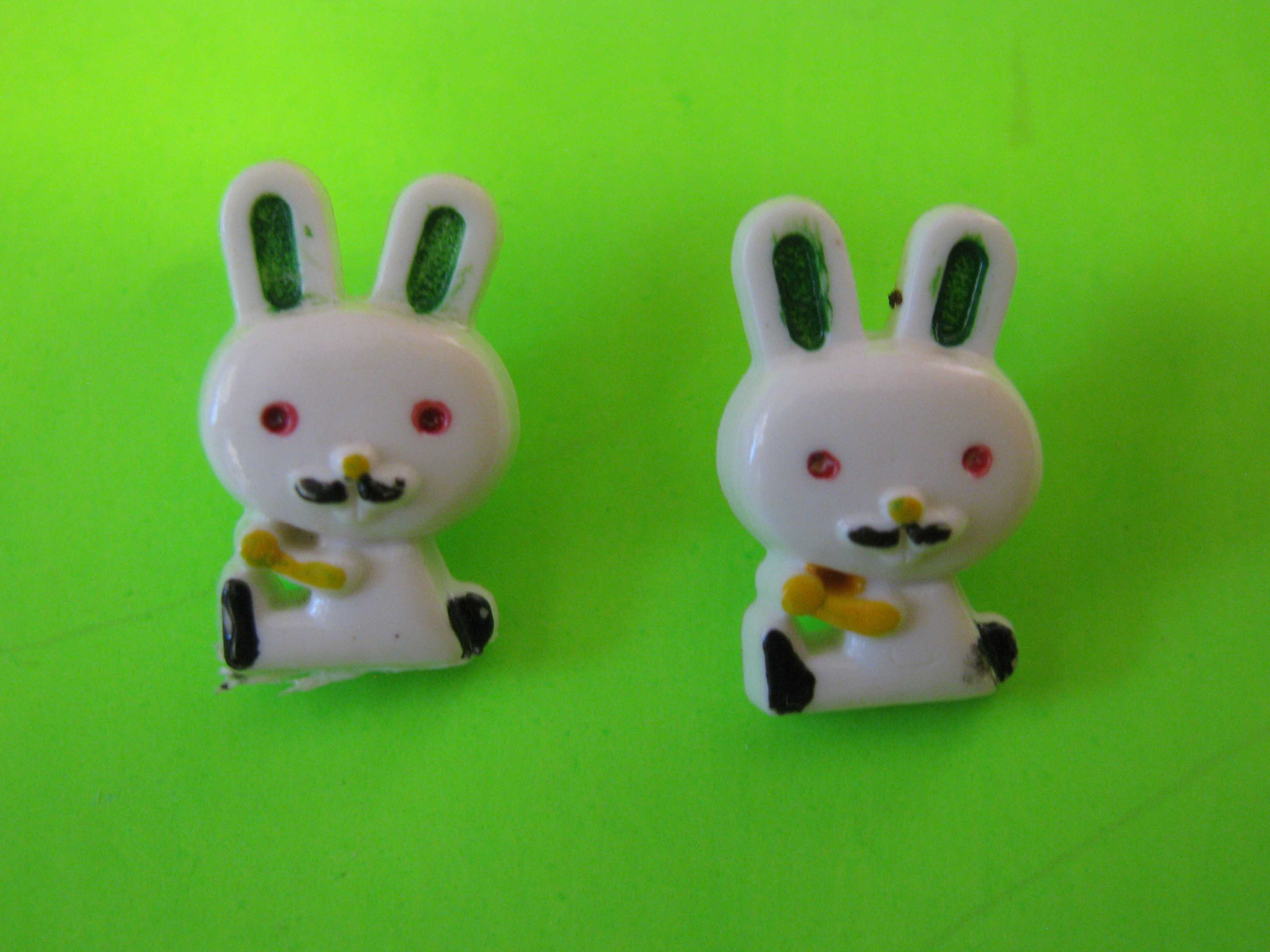 Vintage Cartoon Style Bunny Rabbits, Plastic with Look Shanks