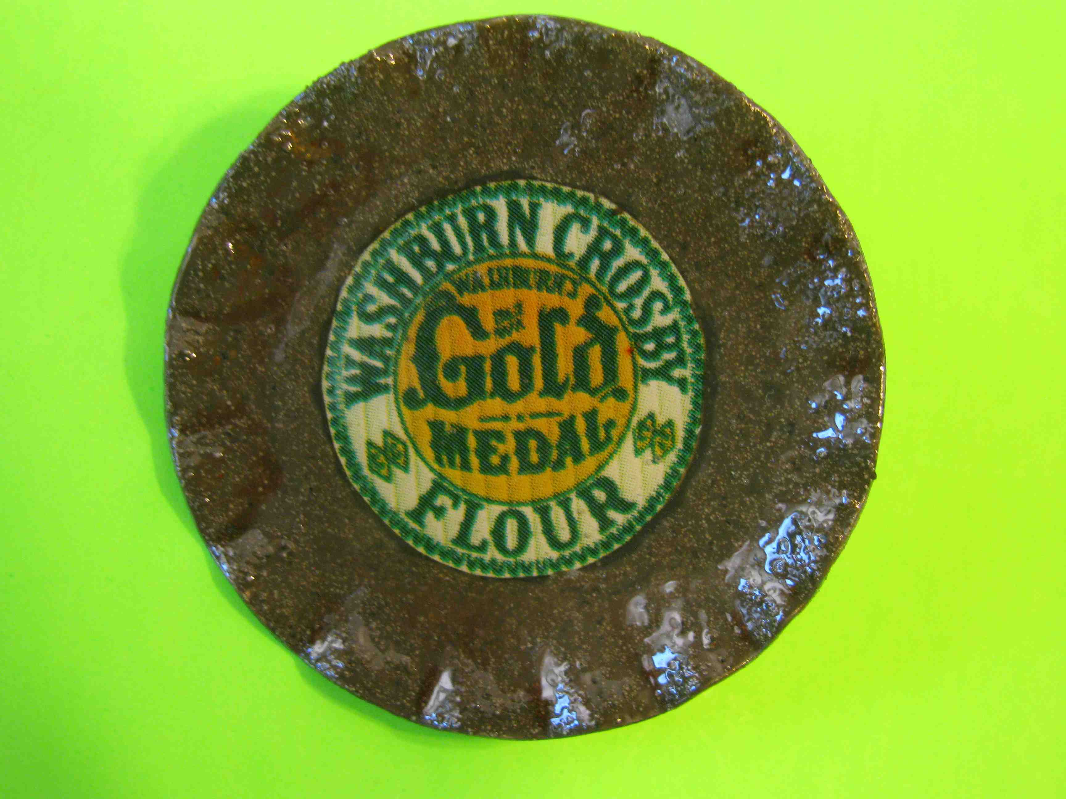 Washburn Crosby Gold Medal Flour Button Large Metal Advertising Button with Metal Loop Shank