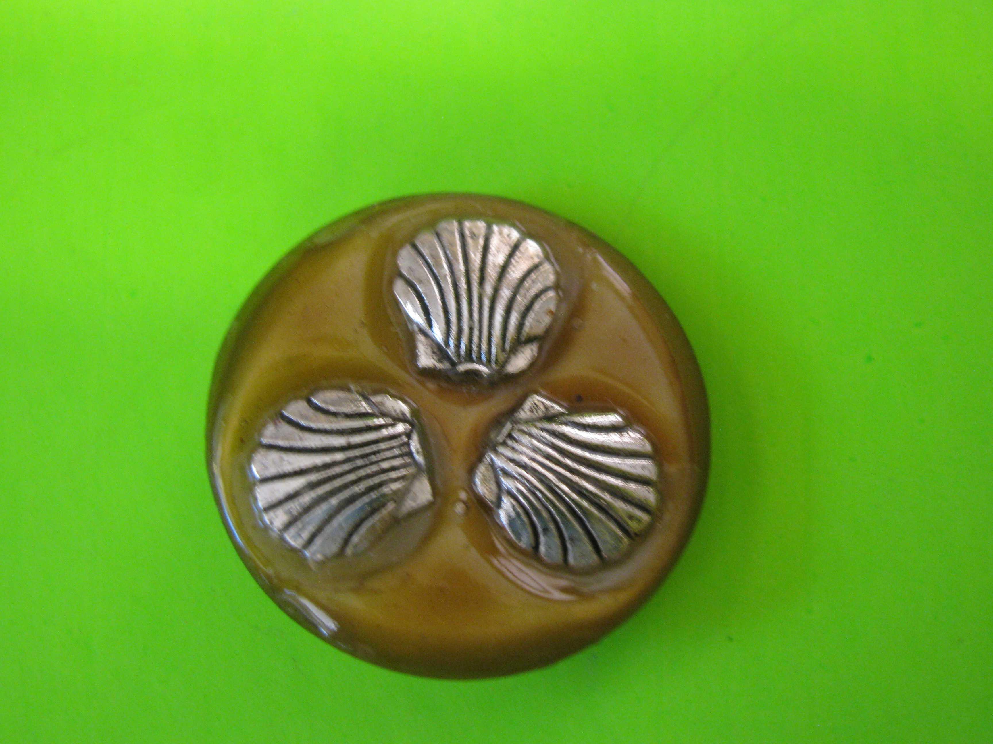 Three Silver Sea Shells on Circular Plastic Button with Claw Shank