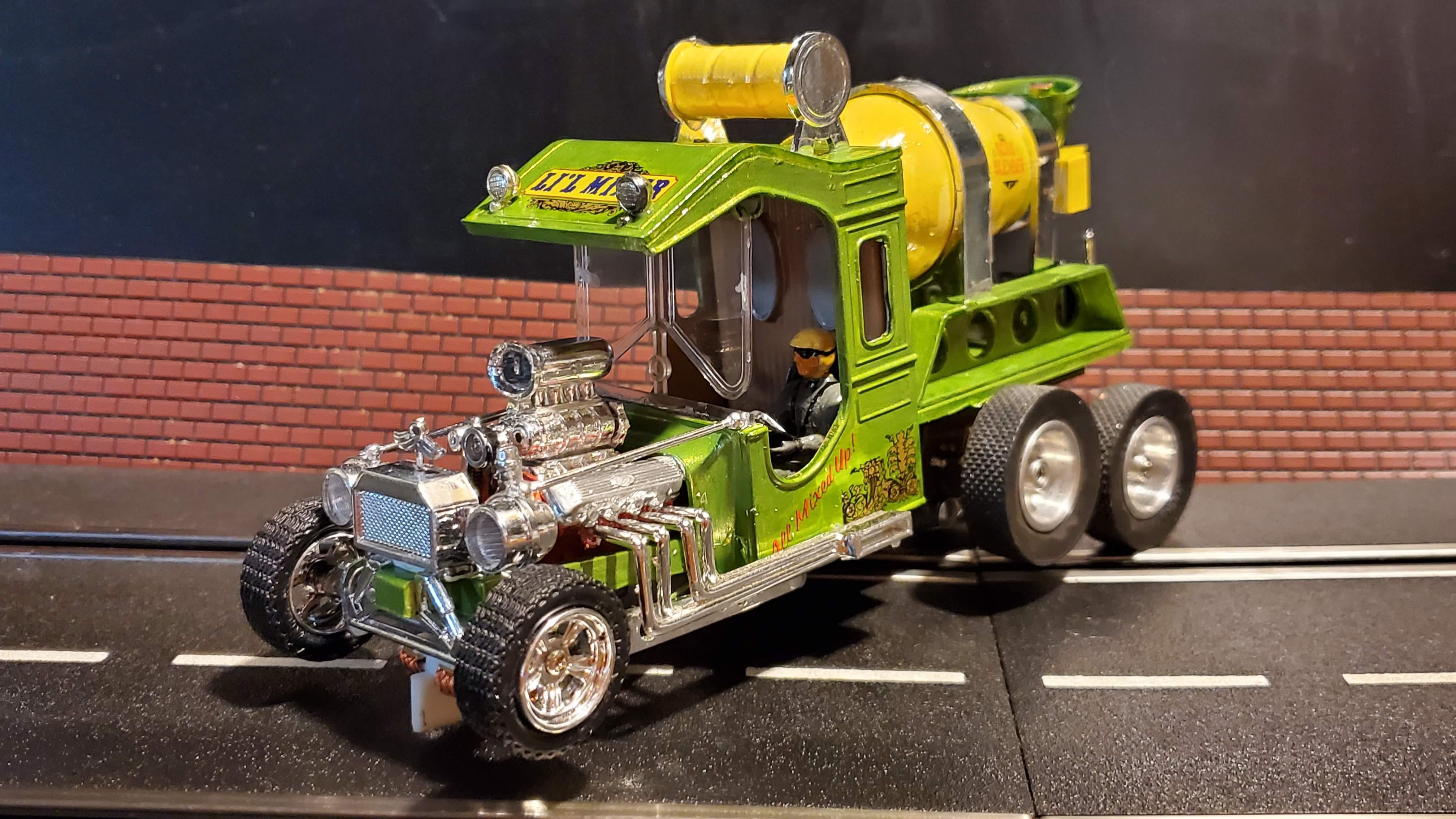 * SALE * Li'l Mixer Concrete Truck Slot Car 1/24 Scale – Green & Yellow