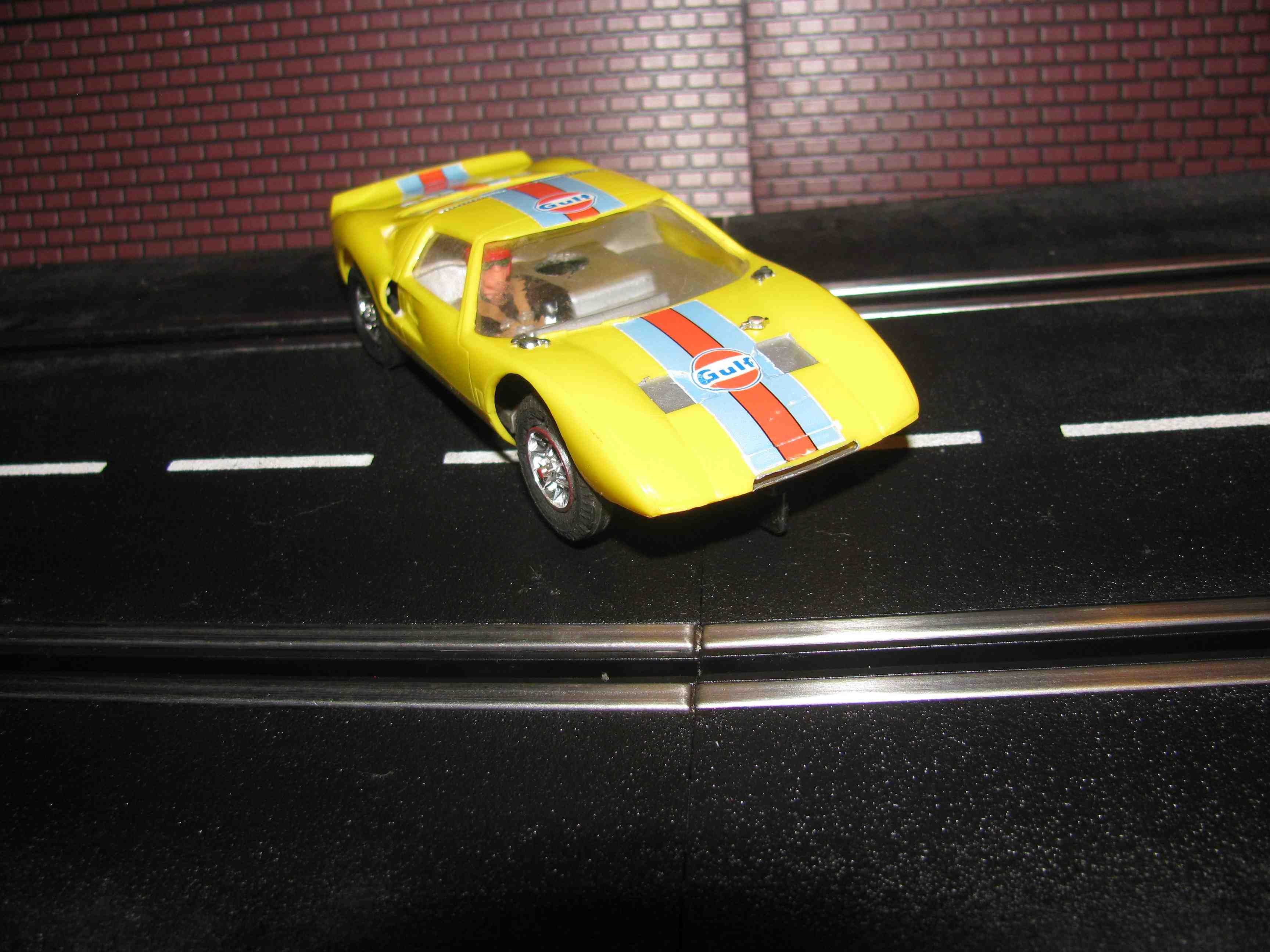 * SOLD * Vintage Strombecker Ford GT-40 Slot Car 1/32 Scale