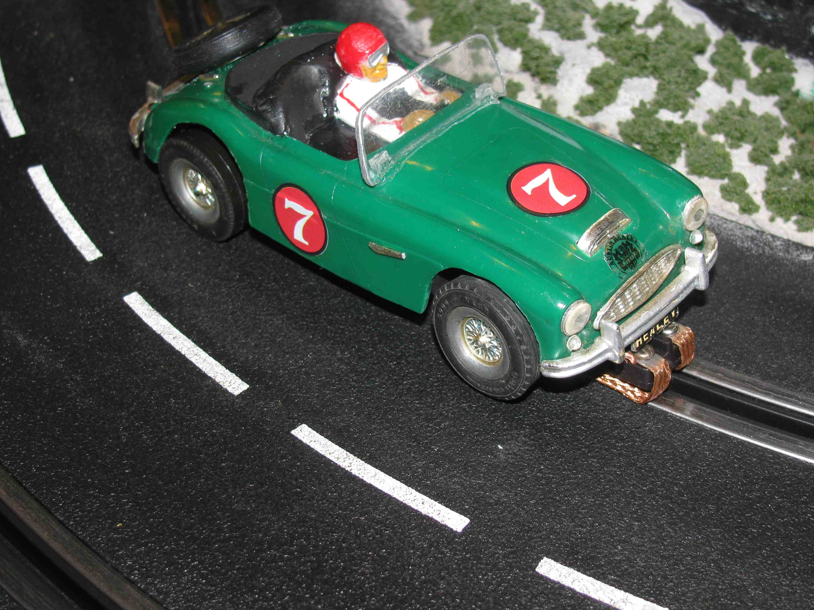 * SOLD * Vintage 1964 Austin Healey 3000 MkIII 2 litre Convertible Slot Car 1/32 Scale