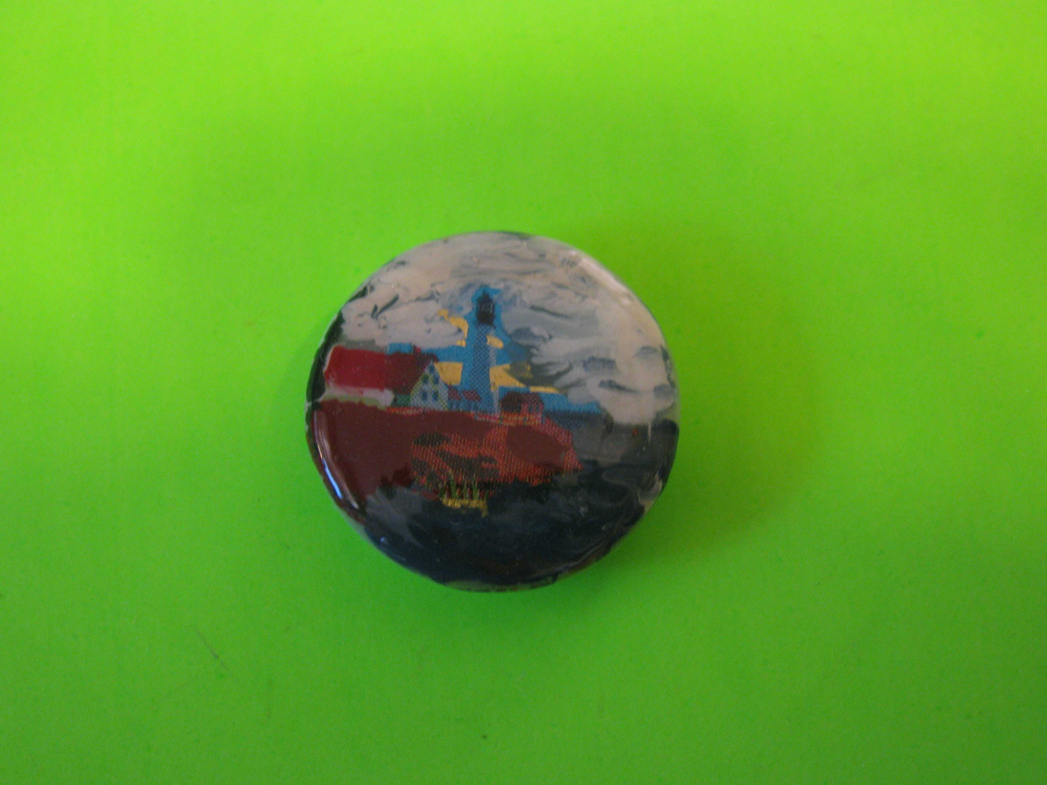 Lighthouse Button (Small) with Plastic Loop Shank