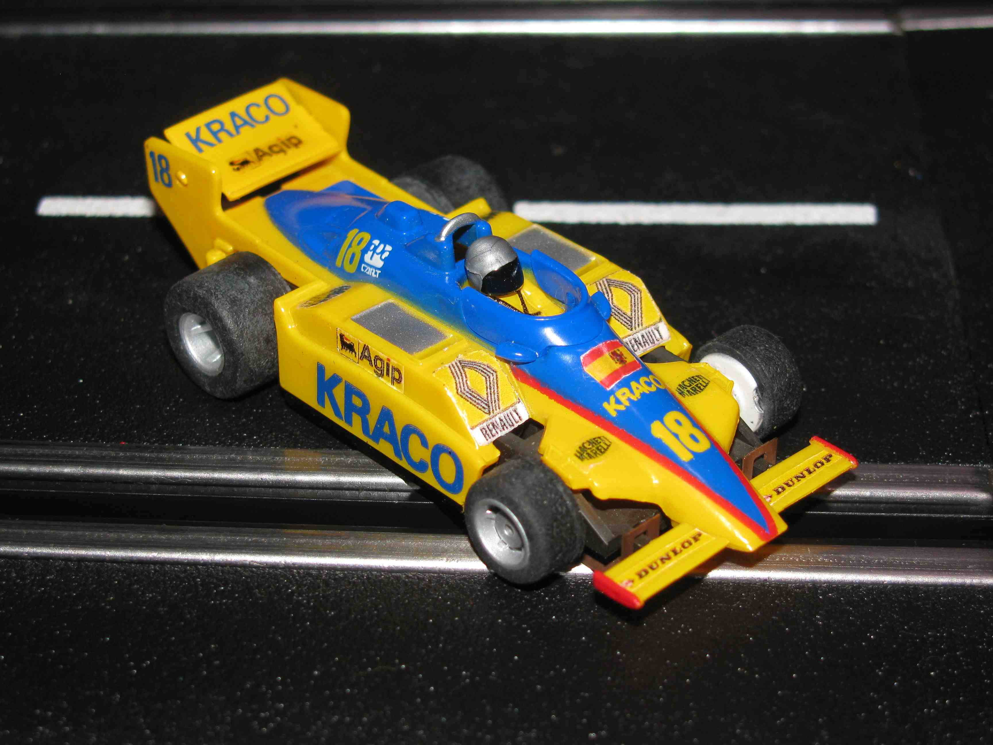* SOLD * TYCO Renault - KRACO – Formula 1 - HO Slot Car - Car#18 – W/Guide Post