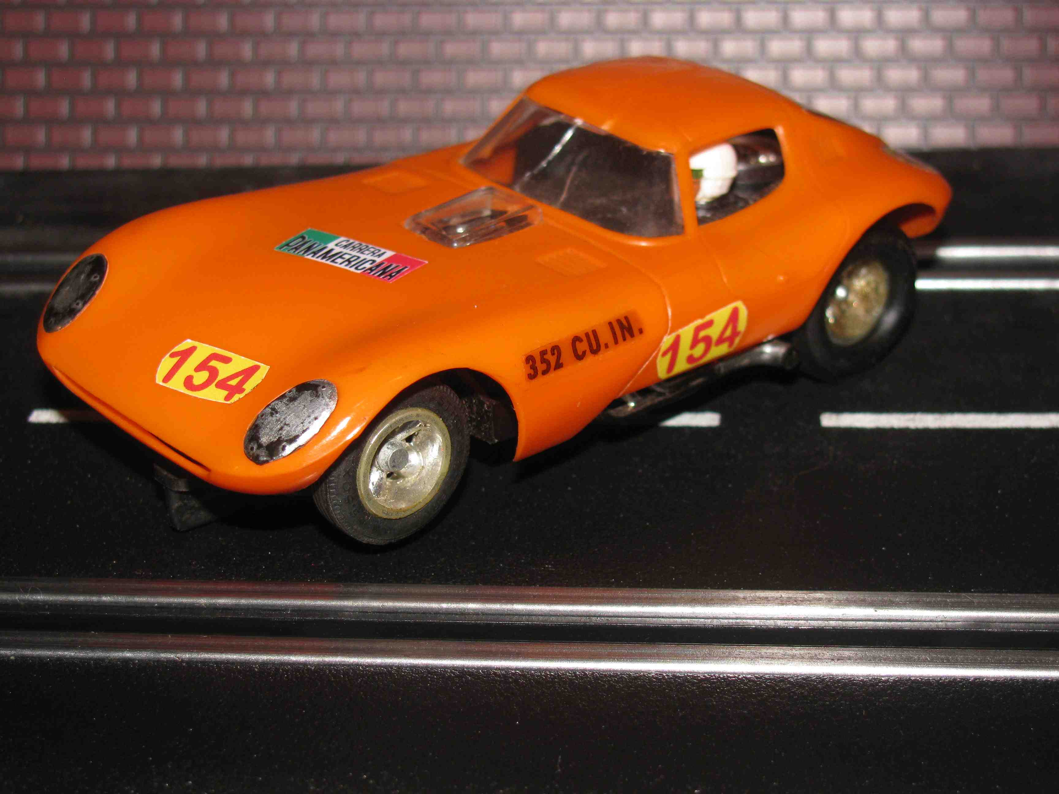 * SOLD * Strombecker Cheetah Slot Car 1/32 Scale