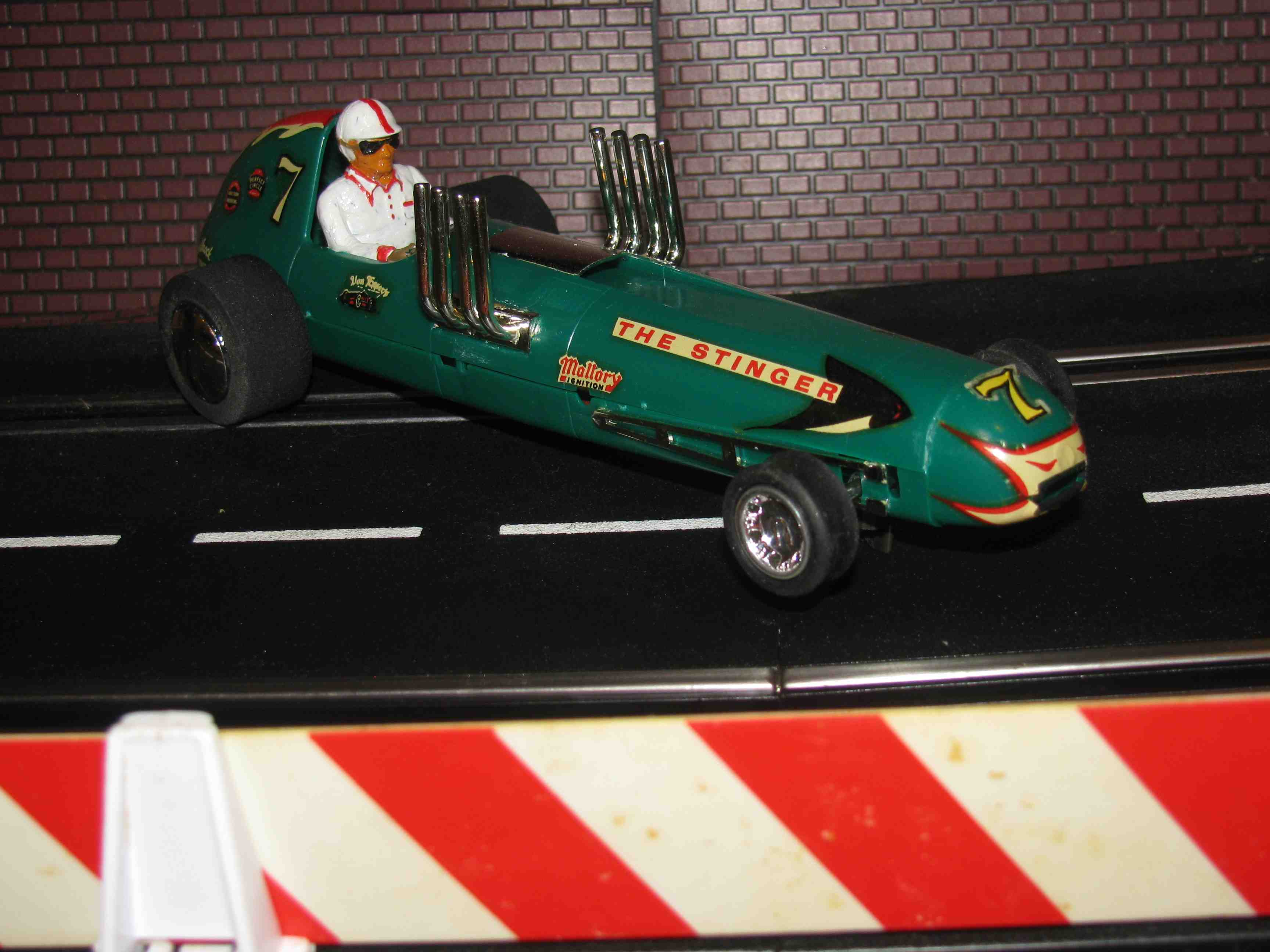 "* SOLD * Vintage ""The Stinger"" Dragster Lucky #7 Slot Car 1/32 Scale in Green"