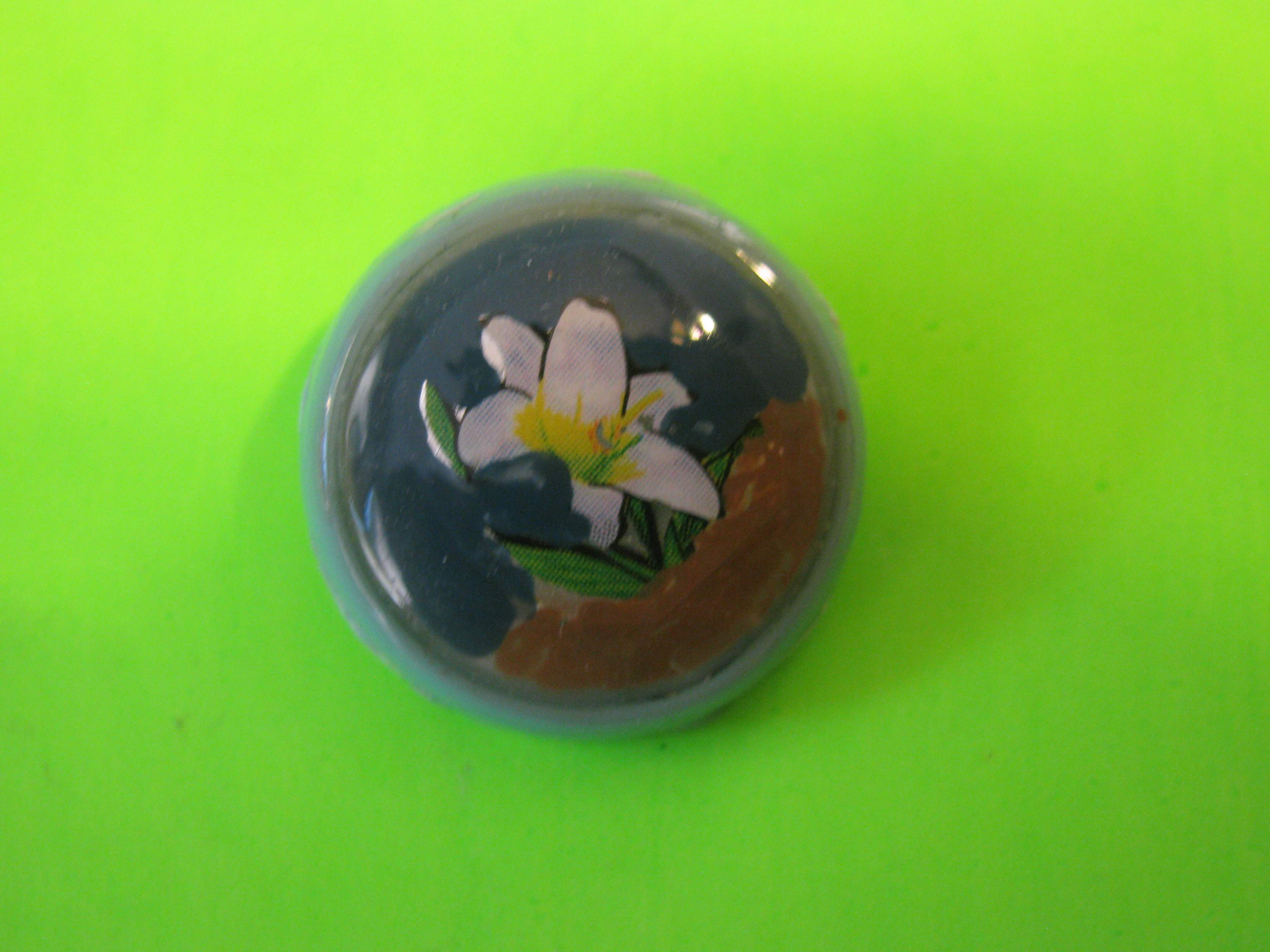 Lilly on Plastic Button with Plastic Loop Shank
