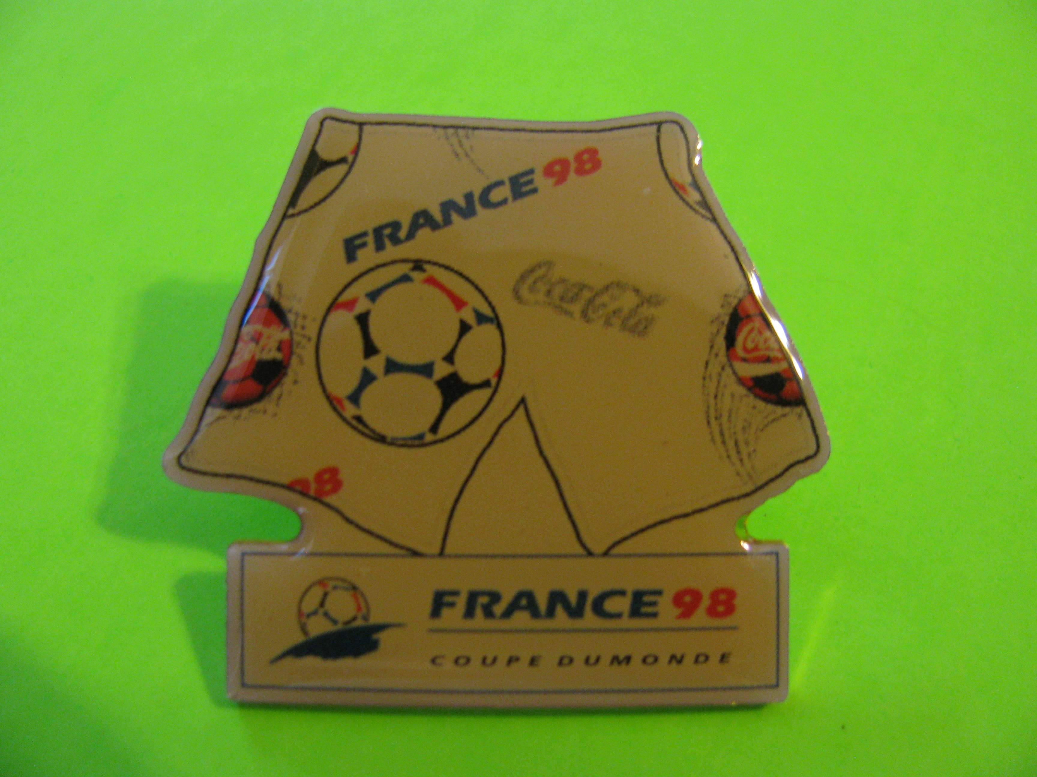 Vintage Coca Cola 1998 Soccer Pin France Coupe Dumonde (1994 1SL) with Butterfly Clutch